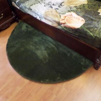 Semicircle bed green carpet rug JumKids Khaki