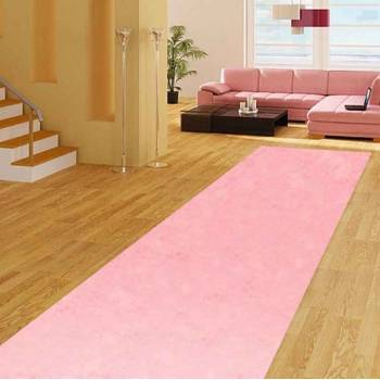 Розовая ковровая дорожка с высоким ворсом