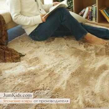 Бежевый ковёр с ворсом в интерьере фото - JumKids.com